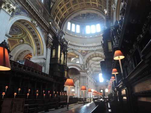 Photo of the interior of Saint Pauls Cathedral